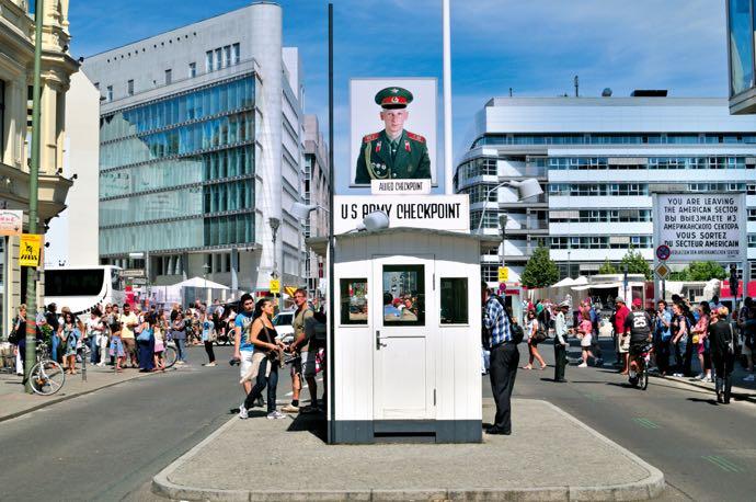 Le Checkpoint Charlie a été concevaient l'état
