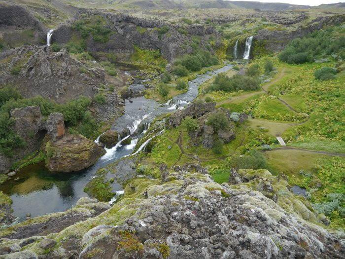 Cascades Hjarlparfoss