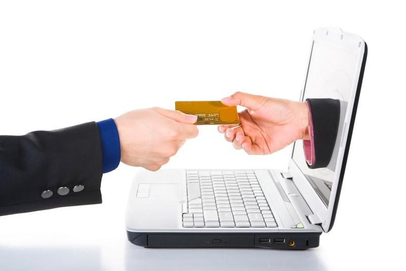 Vacances à l'étranger : Attention aux frais bancaires