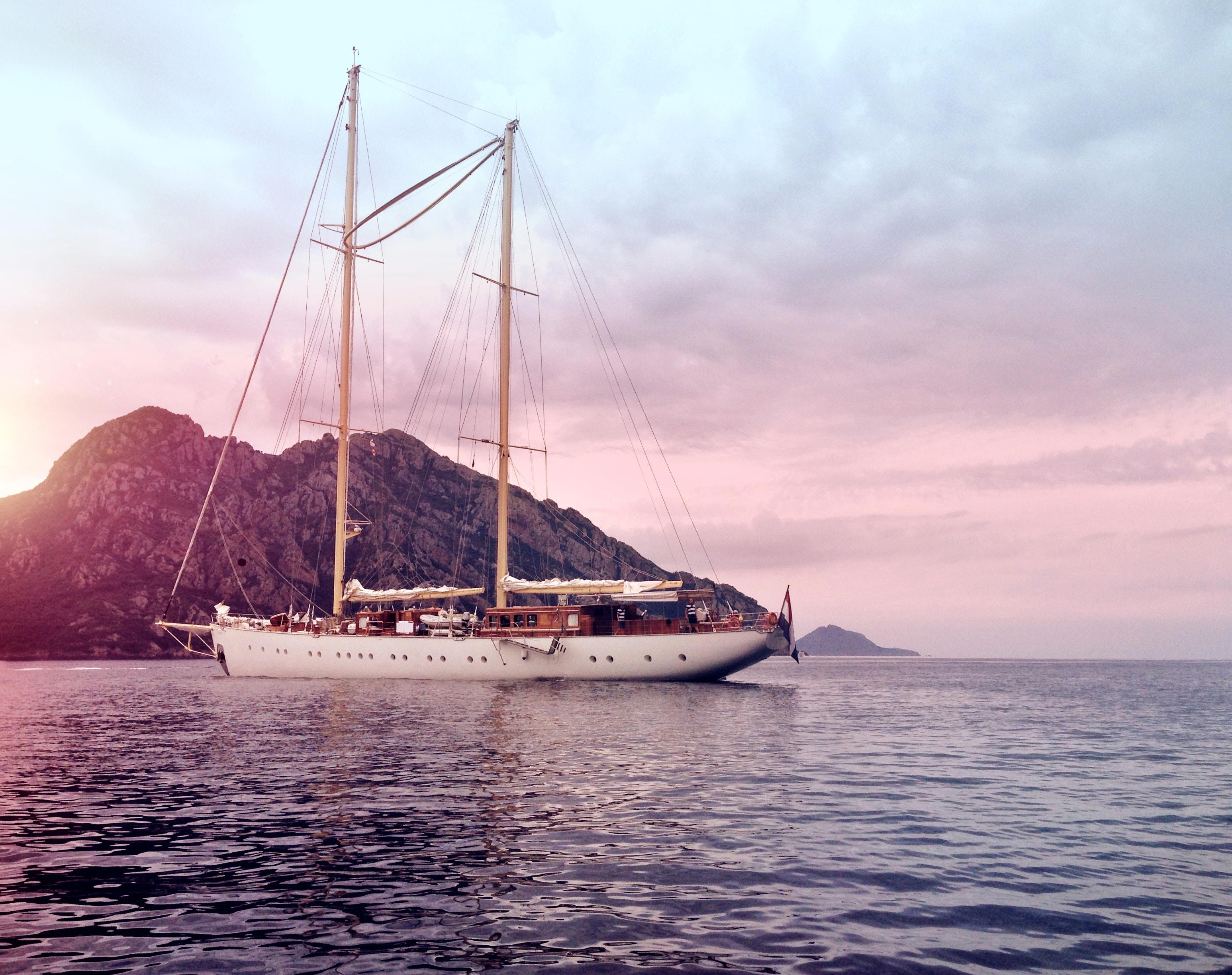 Découvrons La Corse autrement en bateau !
